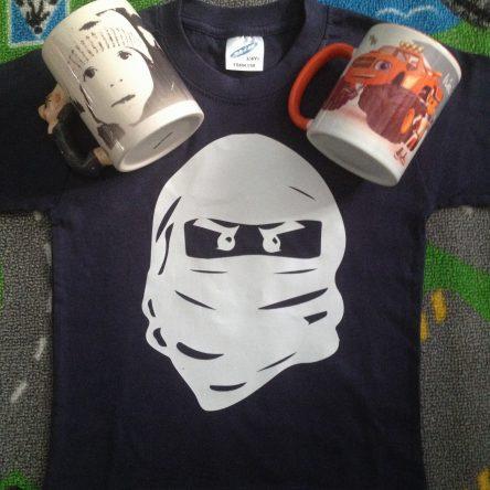 Canecas e T-shirt